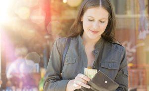 Kreditkarte: So funktioniert das Geldabheben